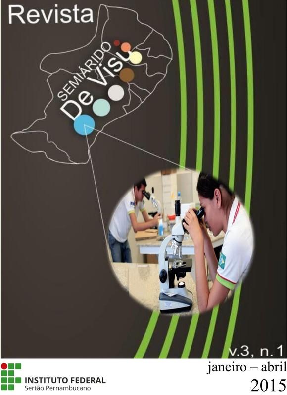 Alunos do campus Salgueiro do IF Sertão-PE realizando análises no Laboratório de Biologia da instituição.